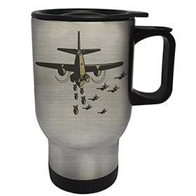 taza de avion bombardero